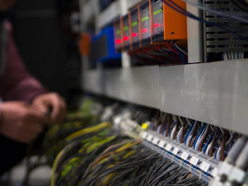 Du möchtest gern einmal in das Berufsfeld eines Elektronikers reinschnuppern? Elektro – Schölzel bietet dir ein Praktikum an.